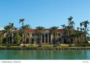 Should Selling a California Luxury House Be a Top Priority?
