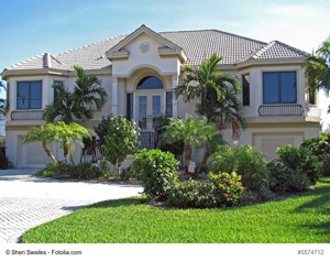 Reasons to Begin a Search for a Florida Luxury Residence