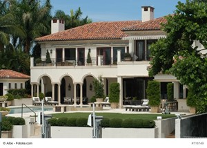 Reasons to Buy a Florida Luxury Home