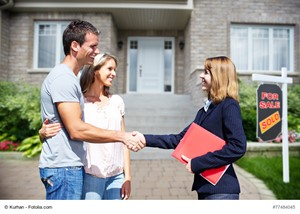 Why Stay in Touch With Your Real Estate Agent