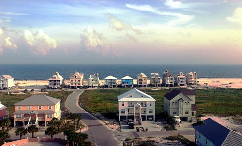 Buying a Vacation Home? Purchasing Tips For Long-Distance Transactions