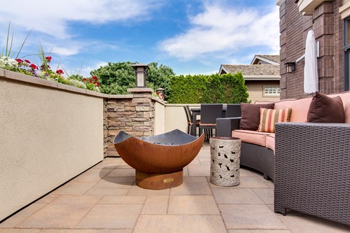 Tips for Designing an Outdoor Living Room