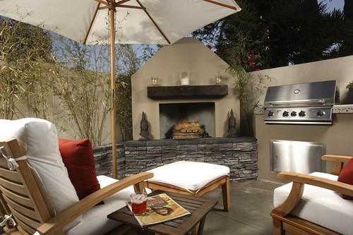 Fire Pits, Fountains, Festivities: How to Jazz Up Your Backyard