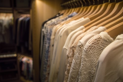 How to Choose Lighting for Your Closet