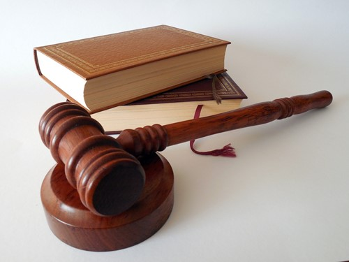 Legal: Hiring a Real Estate Attorney for Retainer