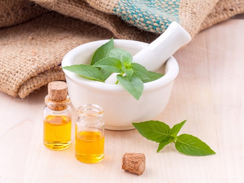Aromatherapy for a Mood-Lifting Home Environment