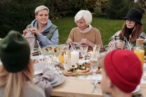 Outdoor Entertainment: How to Dress Your Outdoor Party