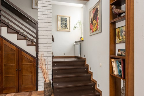 5 Alternatives to Carpeted Stairs