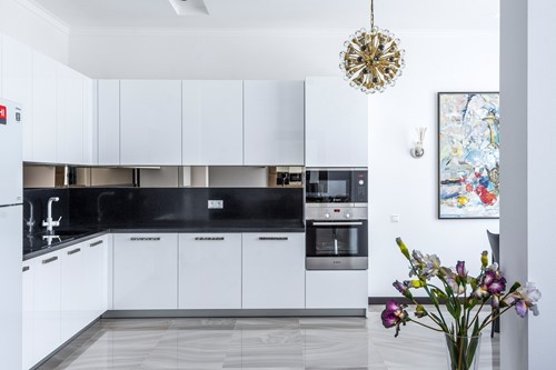 The Pros & Cons of Open Kitchens