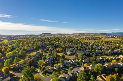 4 Reasons to Buy in an HOA community