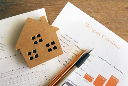 What Criteria Determine If You Should Buy a House?