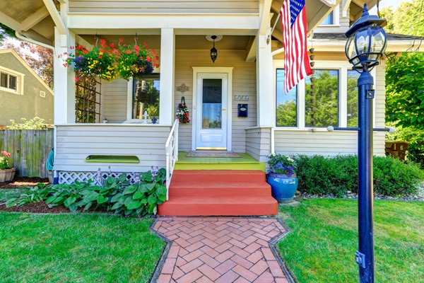 Can-Do Curb Appeal