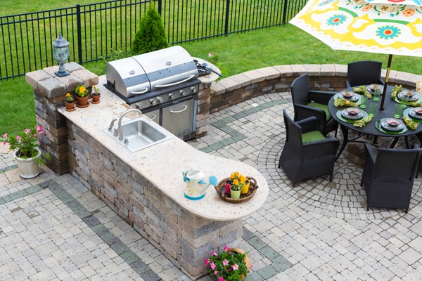 Creating an Outdoor Entertainment Space