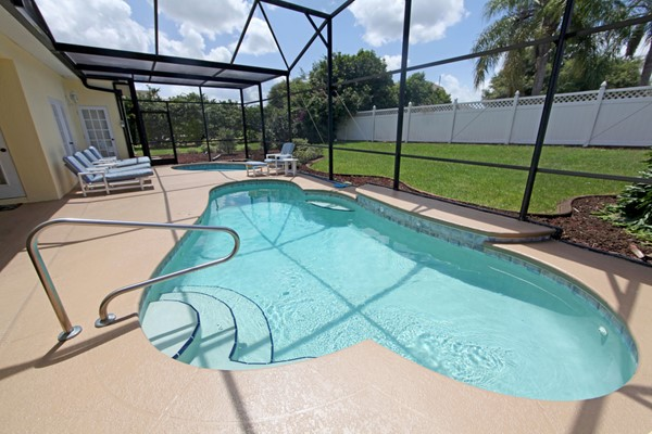 How To Clean Your Pool Screen Enclosure