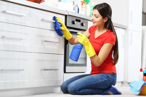 Clean The Kitchen Before Moving To Your New Home