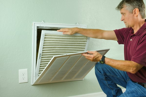 4 Reasons to Regularly Change Your Home Filter