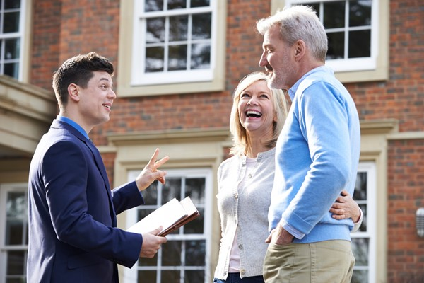 Why It's Smart To Sell Through A Listing Agent
