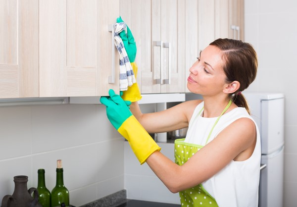 Practical Ways of Cleaning Kitchen Cabinets
