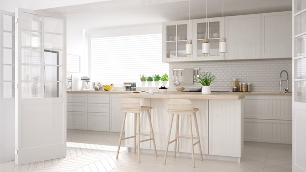 How to Use Bar Stools in Your Kitchen Décor