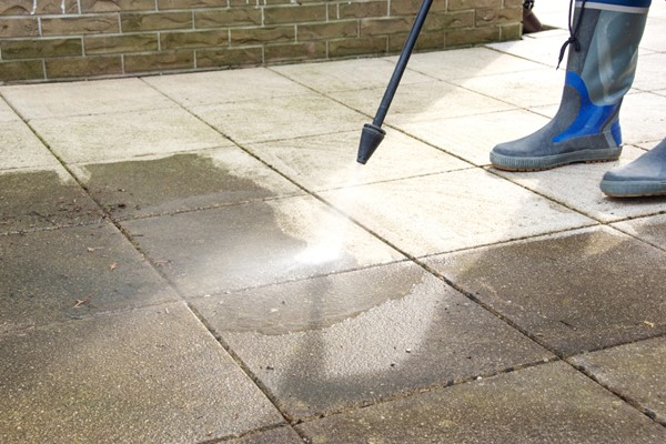 Use A Stain Kit to Freshen Up Your Sidewalks