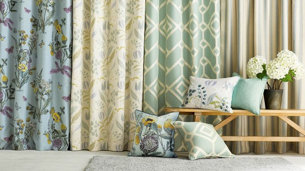 How to Select the Right Curtain for Your Living Room